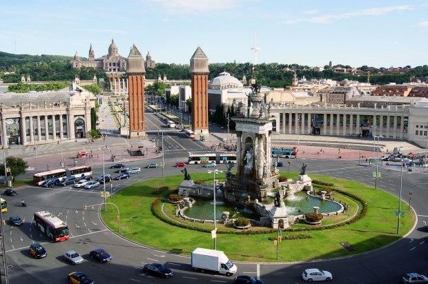 Praça-de-Espanha-Torres-Venezianas