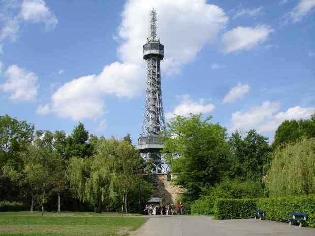 torre-petrin-a-torre-eiffel-de-praga
